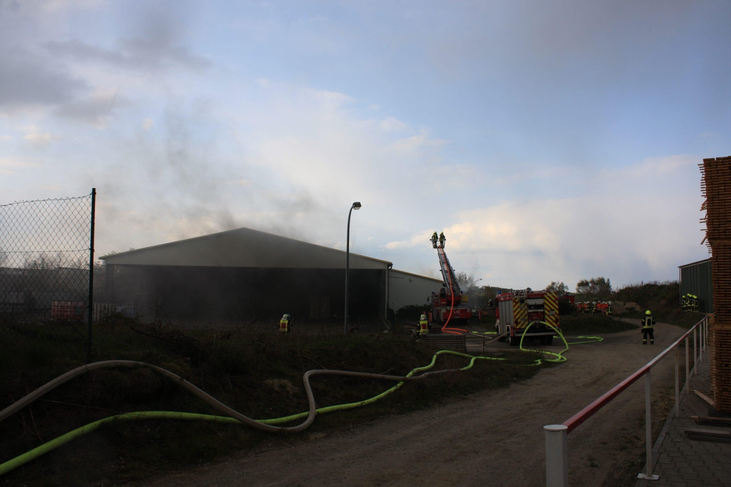 20190412_Hallenbrand-in-Daverden01_ehlertmeinken